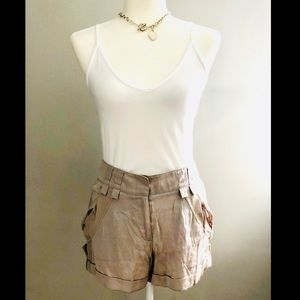 ✨ 3 for 20 ✨ BCBG Contrast Mid Rise Shorts